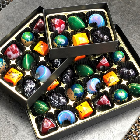 Seasonal Chocolate Selection Box (6 Bonbons)
