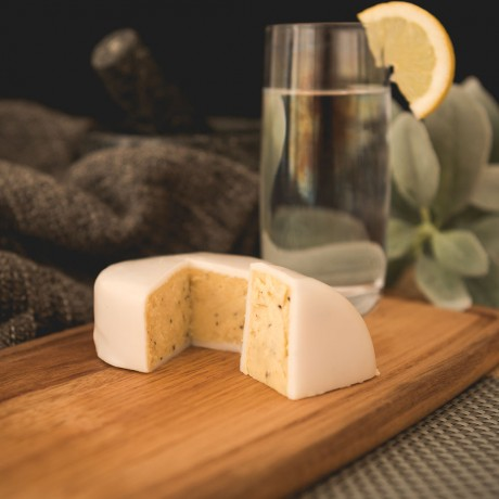 Botanist Gin and Tonic Cheddar Truckle