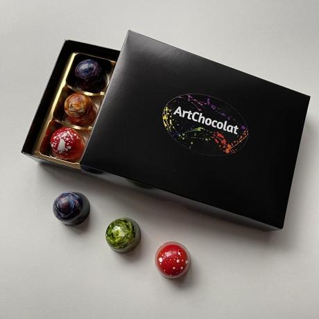 A glistening box of ArtChocolat